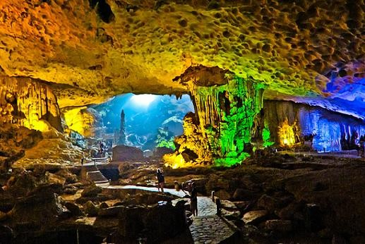450.surprising Cave The Biggest Cave In Ha Long Bay