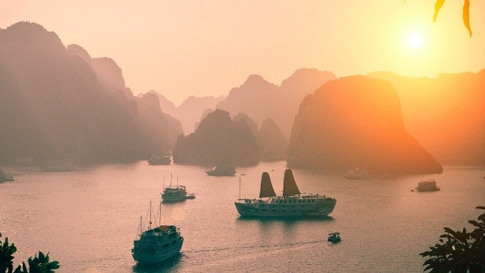 See Sunset And Sunrise On Halong Bay3