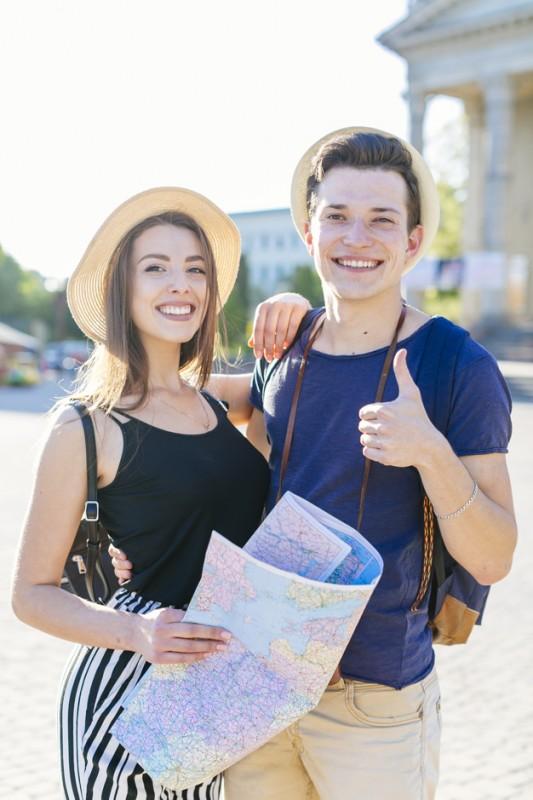 Happy Tourist Couple Vacations City 23 2147828139