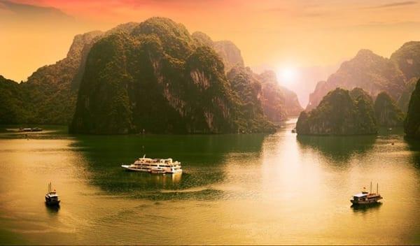 Bình Minh Rạng Ngời Trên Vịnh Hạ Long Tourhalong1ngay 14