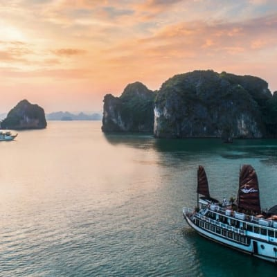 Cruise to HA LONG BAY (2D1N)